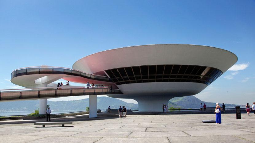 Oscar-Niemeyer-Niterói-Contemporary-Art-Museum