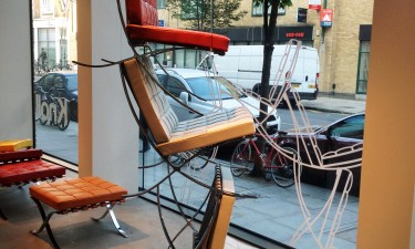Barcelonda Relax chair display in Knoll London showroom