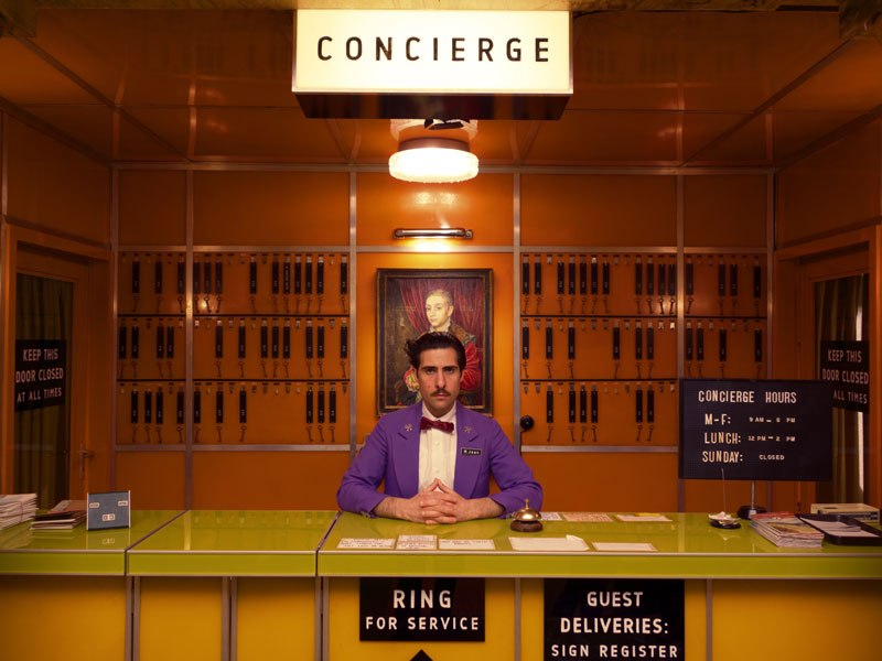 The grand budapest hotel wins 2015 oscar for production for Design hotel book 2015