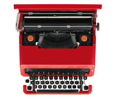 Valentine typewriter by Olievtti as seen in Alex's bedroom in A Clockwork Orange