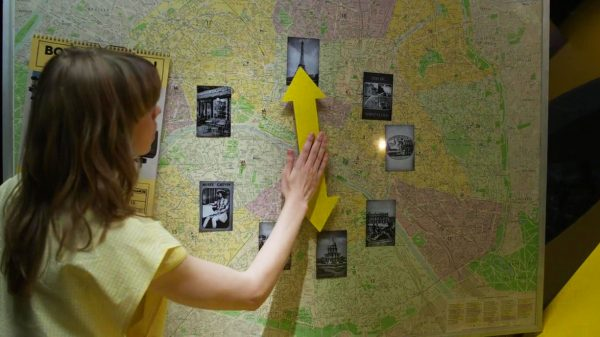 Maps in the movies – the Paris Connection