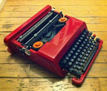 HKItypewriters Olivetti Valentine typewriter