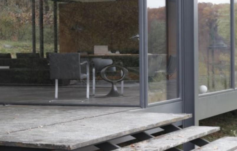 bruce-wayne-batman-residence-exterior-desk