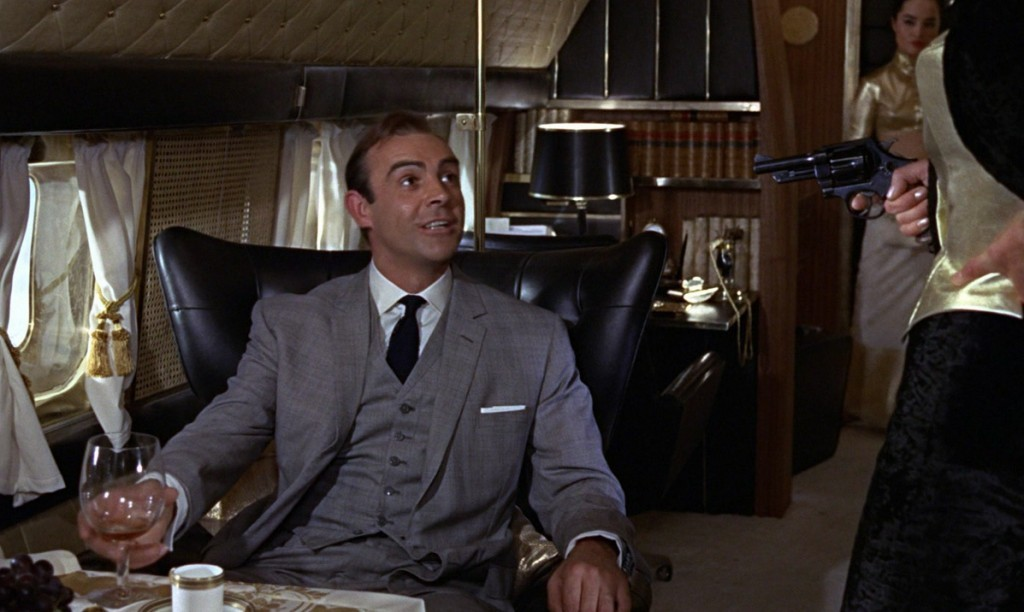 Goldfinger-plane-chair