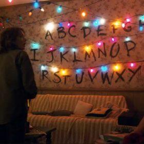 stranger-things-byers-brown-sofa