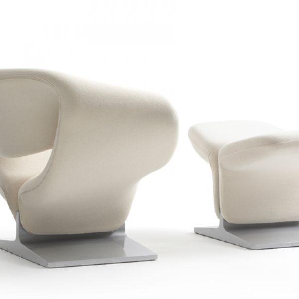 pierre-paulin-white-ribbon-chair-in-blade-runner-2049-600435