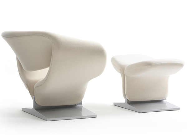 pierre-paulin-white-ribbon-chair-in-blade-runner-2049-600435