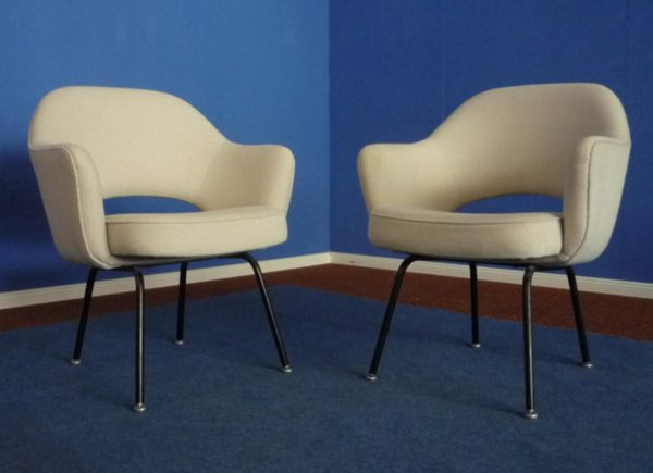 saarinen-conference-armchair-pamono