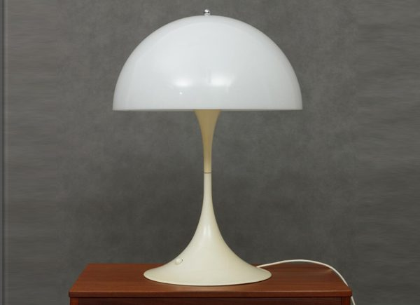 panthella-desk-lamp