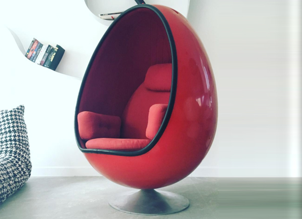 Ovalia egg chair film and furniture for How to make an egg chair