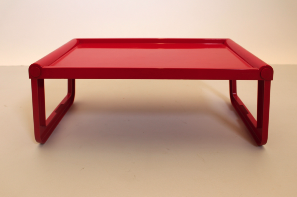 Guzzini vintage red tray from Pamono