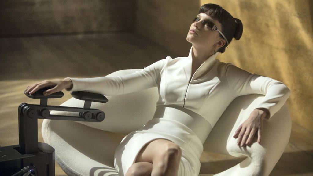 Luv (Sylvia Hoeks) in her Pierre Paulin chair in Blade Runner 2049