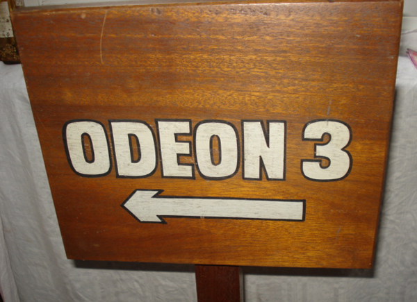 newcastle-odeon-3-wooden-sign-600435