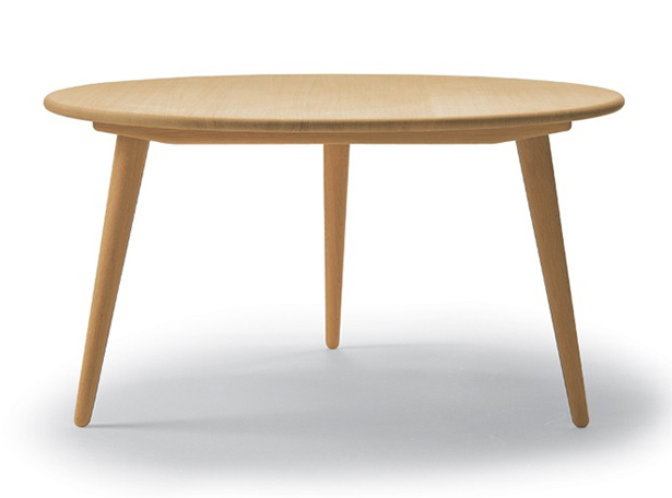 wegner-coffee-table-film-and-furniture