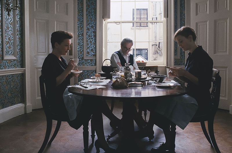 Phantom thread dining room william morris wallpaper in Phantom Thread