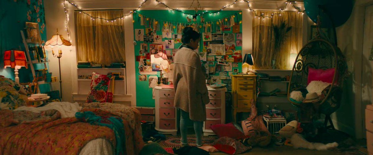 lara jean's bedroom in To All The Boys I've Loved Before film sets