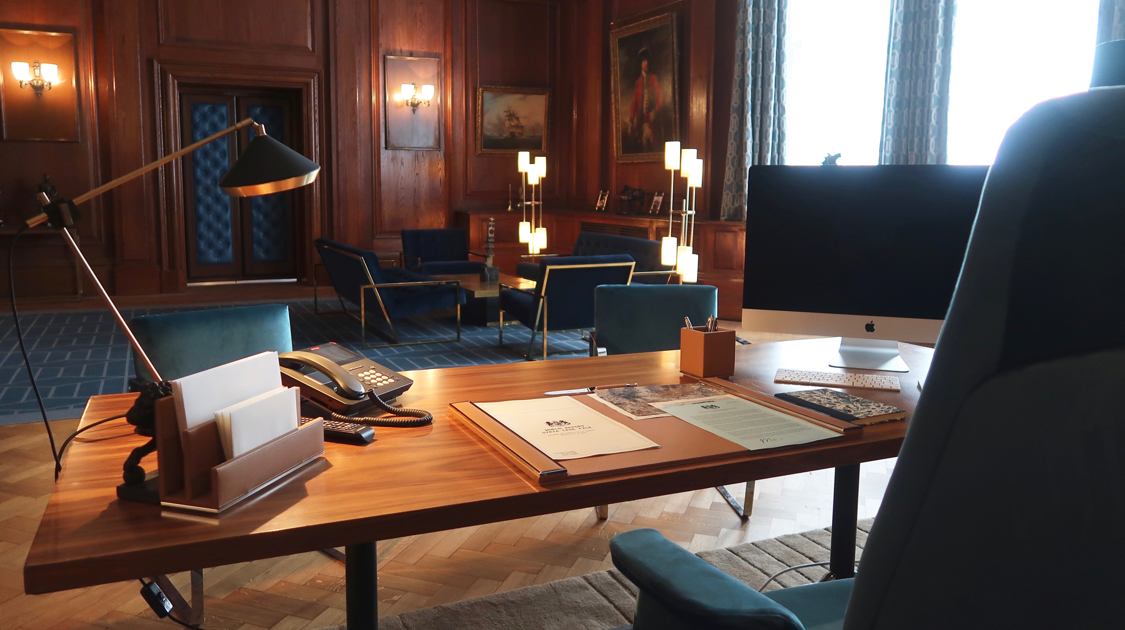 Pegasus' Mi7 office in Johnny English Strikes Again. Production Design by Simon Bowles, Set Decoration by Liz Griffiths. Photo c/o Universal Pictures.