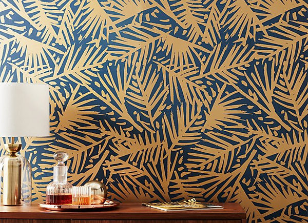 c2b hygge-and-west-gold-palm-leaf-wallpaper