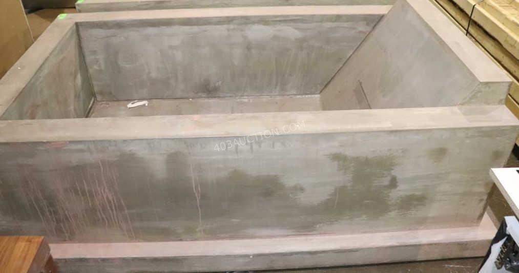 Louis Litt's mudding bath