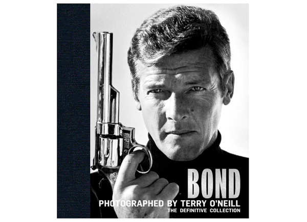 bond-photographed-by-terry-oneill-film-and-furniture