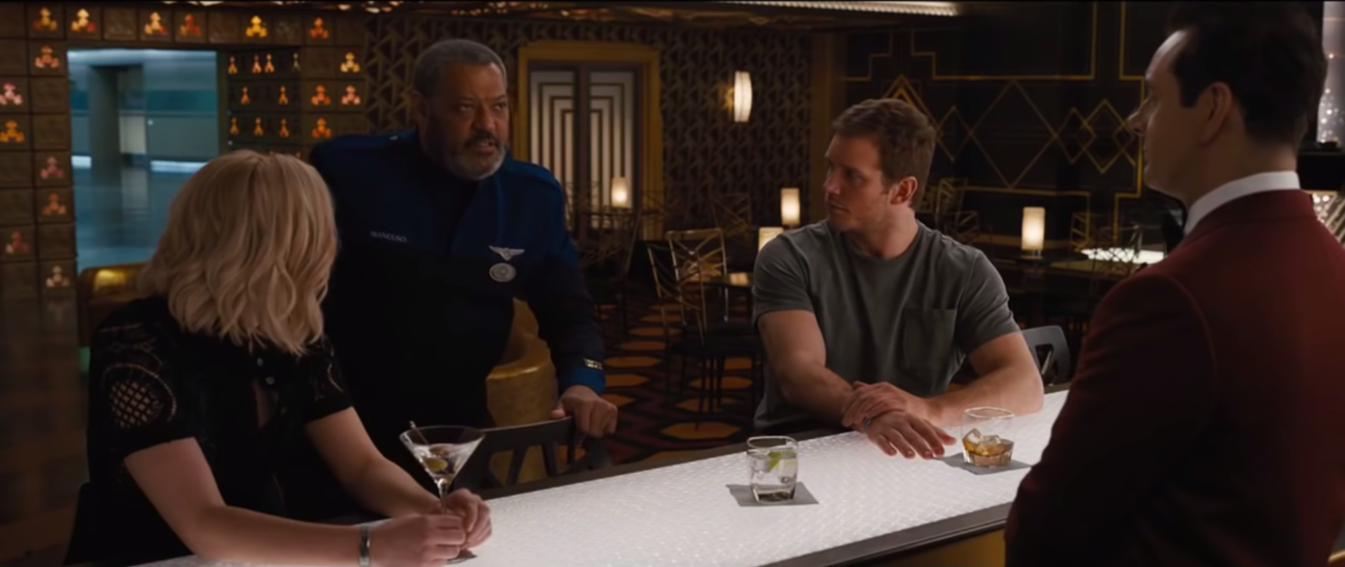 Drinking at the Avalon bar in Passengers