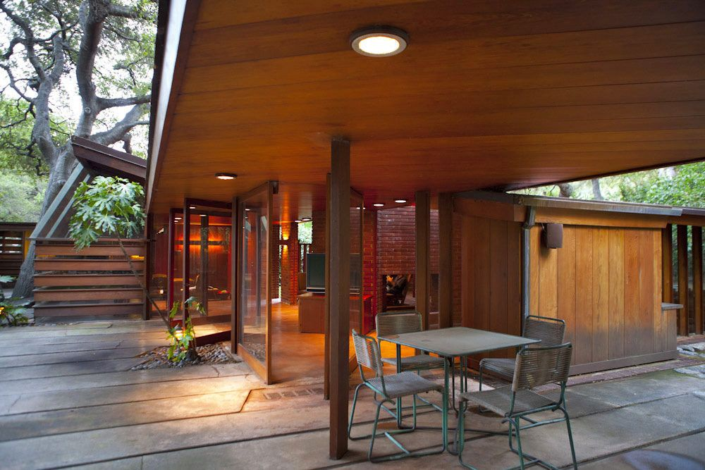 The Schaffer Residence designed by John Lautner plays the role of George Falconer's house is A Single Man