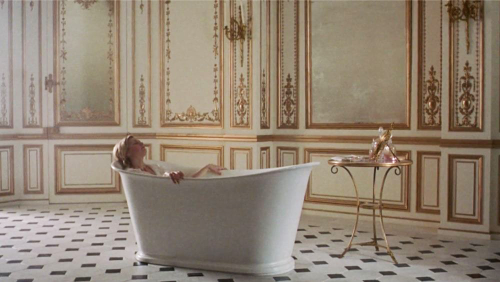 marie-antoinette-bath