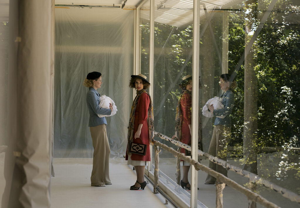Carice van Houten and Hanna Alström filming in the Tugendhat house