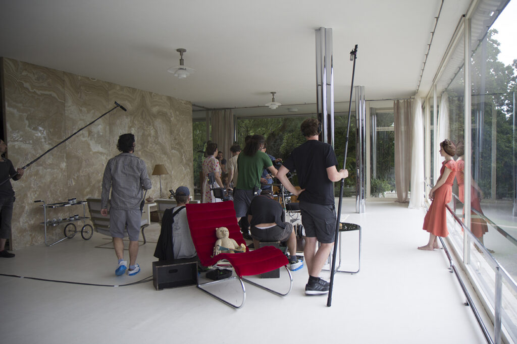 Filming inside Villa Tugen for The Affair. here we get a wonderful view of the famous onyx wall