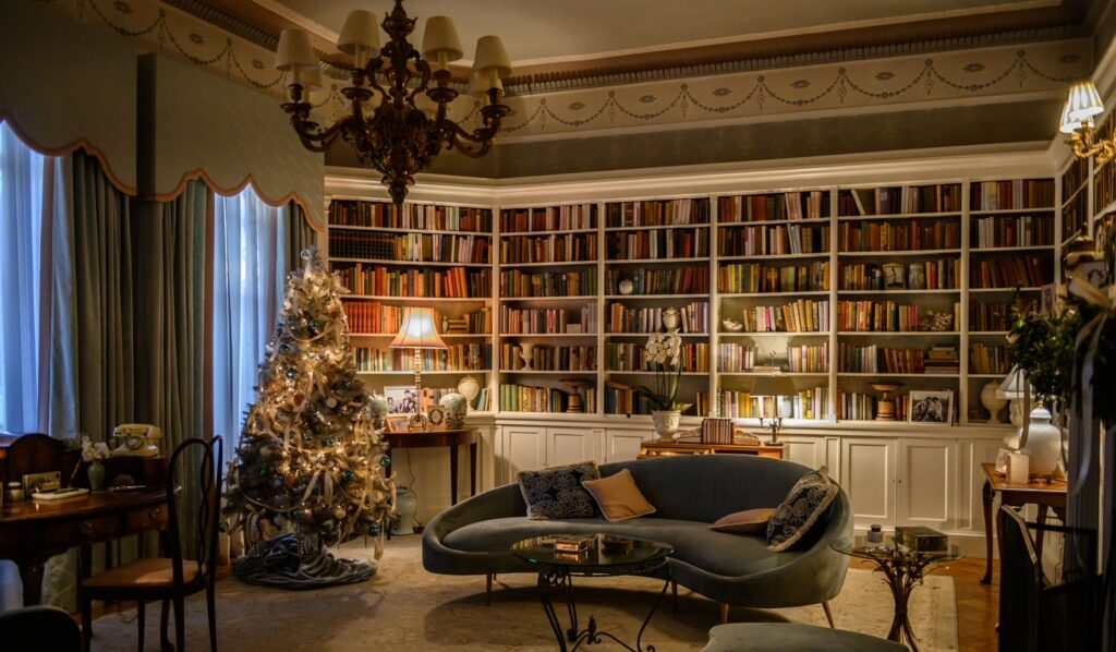 The home of Jennifer Sterling in The Last Letter From Your Lover: a high-end library/drawing room (image: James Merifield)